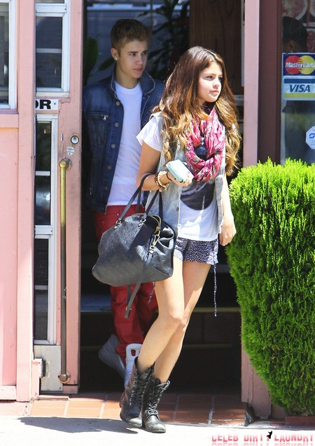 Selena Gomez Bans Justin Bieber from Wizards of Waverly Place Film