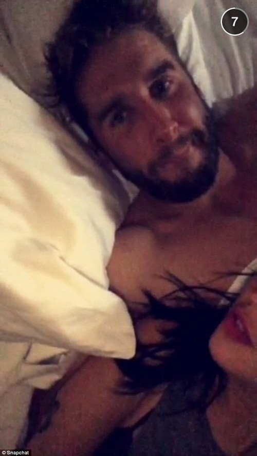 Who Won The Bachelorette 2015 Spoilers: Kaitlyn Bristowe SnapChat Photo a Red Herring, Winner Shawn Booth or Nick Viall?