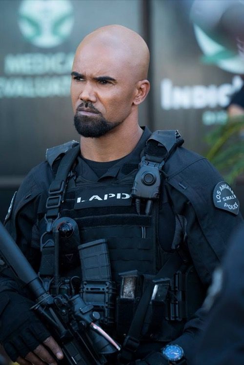 "S.W.A.T. Winter Premiere Recap 1/4/18: Season 1 Episode 9 ""Blindspots"""