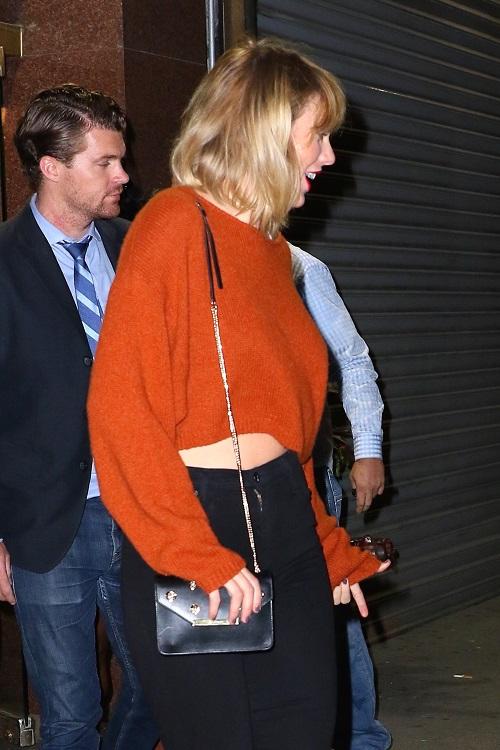 Taylor Swift Making New Boyfriend Joe Alwyn Live Next To Her?