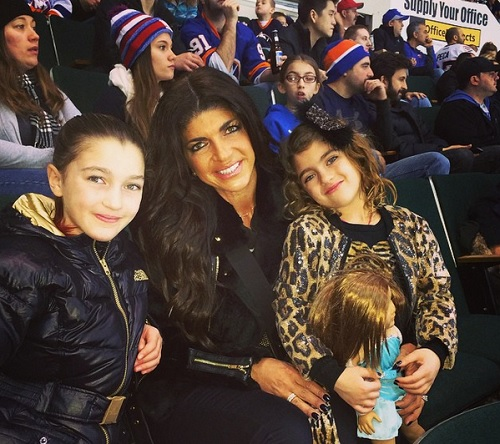 Teresa Giudice Tweets From Prison: RHONJ Star Sends Fans A Direct Note From Behind Bars!