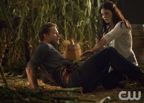The Vampire Diaries Season 6 Spoilers 'Delena Reunited' Synopsis Episode 5 - Sneak Peek Video