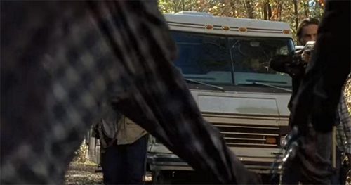 The Walking Dead Season 6 Finale Spoilers: Michonne and Daryl Appear as Walker to Rick - Dead or Captured by Saviours?