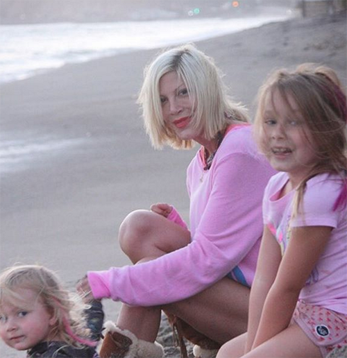 Tori Spelling Reaches Out To Rival Shannen Doherty: Makes Amends With Former Enemy During Her Battle Against Breast Cancer?