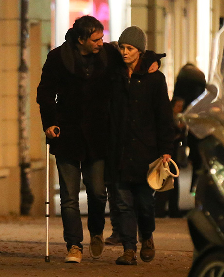 Vanessa Paradis Strolls Paris Streets With Boyfriend Samuel Benchetrit: Johnny Depp Romance Forgotten, Couple In Love? (PHOTOS)