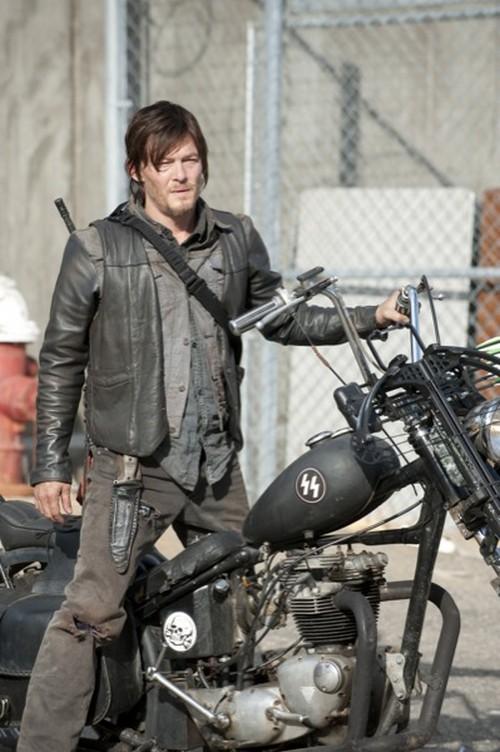 See Who Dies On The Walking Dead - Tonight's Season 3 Finale (POLL)