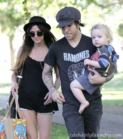 Pete Wentz & Ashlee Simpson Fighting Over Custody!