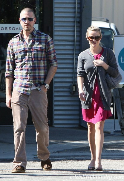 Reese Witherspoon Gets Married To Jim Toth!