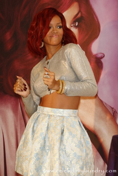 Rihanna and Colin Farrell Sexting Are They Destined For Romance?