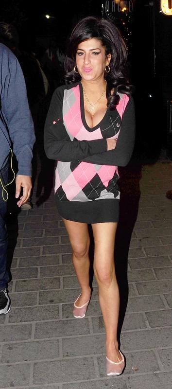 Amy Winehouse Back In Rehab Again