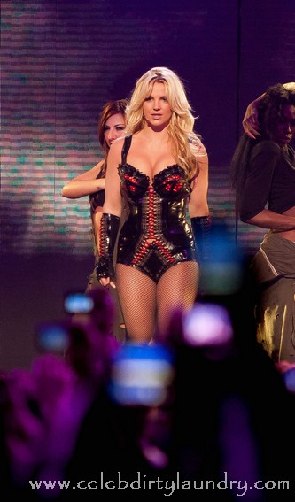 Britney Going On Tour With Enrique!