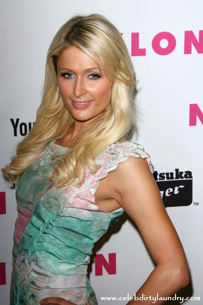 Not Nice! Paris Hilton Kicks Linday Lohan When She Is Down