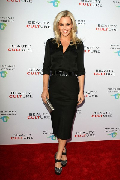 Jenny McCarthy on being bullied in high school: 'My hair was lit on fire' (VIDEO)