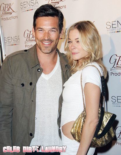 LeAnn Rimes Heads To Chicago With Hubby