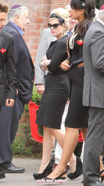 Amy Winehouse's Funeral Takes Place In London - Photos