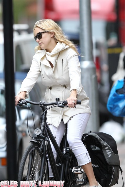 New Mom Kate Hudson Bikes Around London