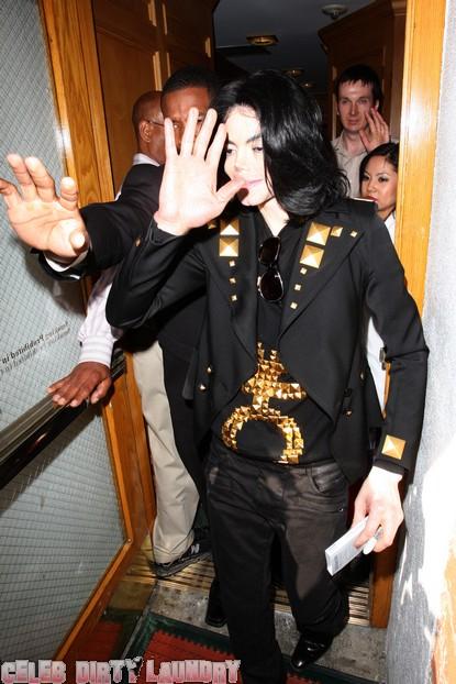 Michael Jackson's Fingerprints Not Found On Propofol Bottles