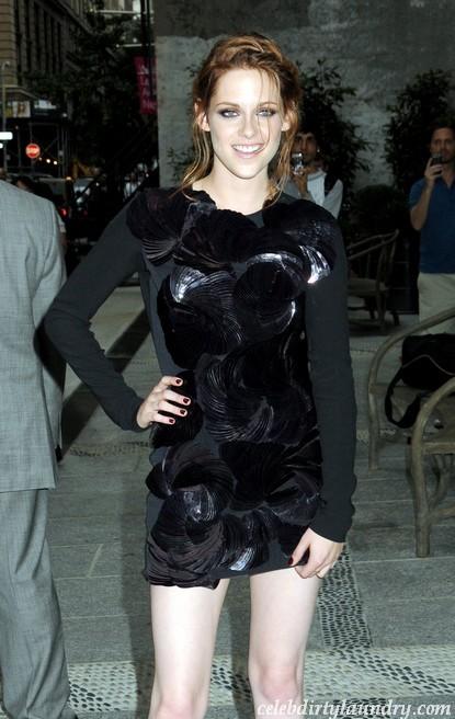 Kristen Stewart Wanted Breaking Dawn Birth Scene To Be Grotesque