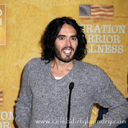 Russell Brand Says Taking Mom To Oscars Makes Up For His Years Of Delinquency