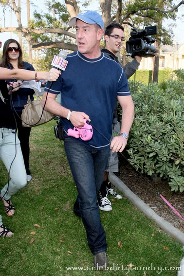Michael Lohan The Bad Guy As He Punches Kate Major's Girlfriend In The Face!