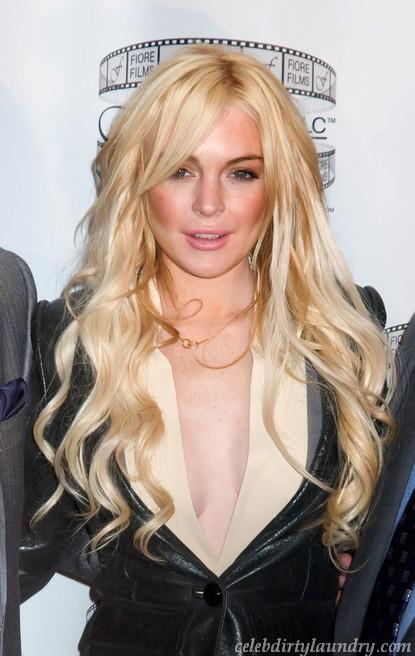 Lindsay Lohan Calls Paris Hilton Mean