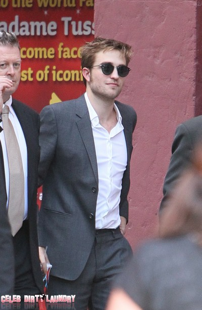 Robert Pattinson Is The Sexiest 'Old Fashioned' Romantic In Hollywood