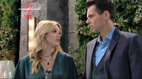 The Young and the Restless Spoilers: Summer's $10,000 Bet Pulls Billy Back to the Dark Side – Gambling Abbott Risks All to Save Her