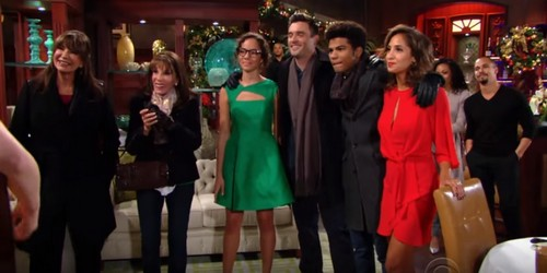 The Young and the Restless Spoilers: Wednesday, December 20 Update - Anonymous Park Buyer Revealed - Hilary and Devon Get Hot