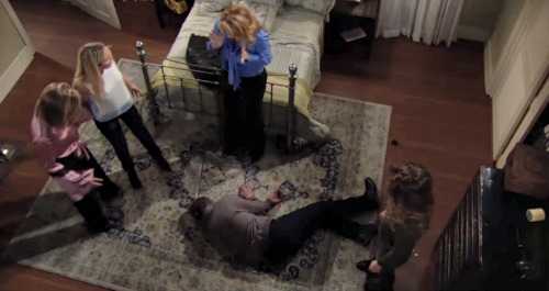 The Young and the Restless Spoilers: J.T. Haunts Cover-up Crew - Nikki is Nervous, Experienced Killer Fears Consequences
