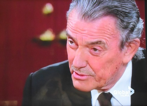 'The Young and the Restless' Spoilers: Did Kyle See Fake Jack Kill Austin, Covering for 'Father' - Victor Setting Up Flack?