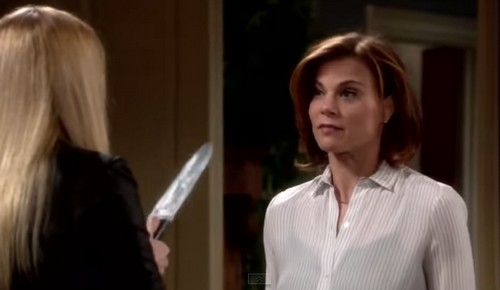 'The Young and the Restless' Spoilers: Kelly Stabs Phyllis and Vanishes - Sharon Admits Fighting Austin - Stitch Seduces Abby?