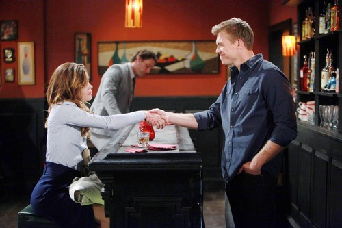 'The Young and the Restless' Spoilers: Do You Want Victoria with Billy or Travis?